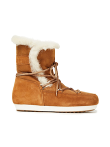 Woman Far Side Shearling Snow Boots Camel Size 34 Moon Boot. Купить за 9900 руб. - Snow boots Shearling Round toe Lace-up front Lined in shearling Rubber...