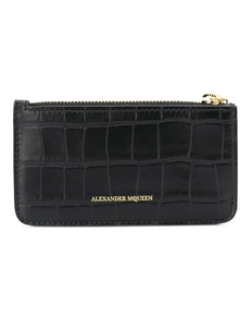 Skull charm zipped cardholder Alexander Mcqueen. Купить за 28192 руб. - Infuse your day-to-day wardrobe with fashion house Alexander McQueen's...
